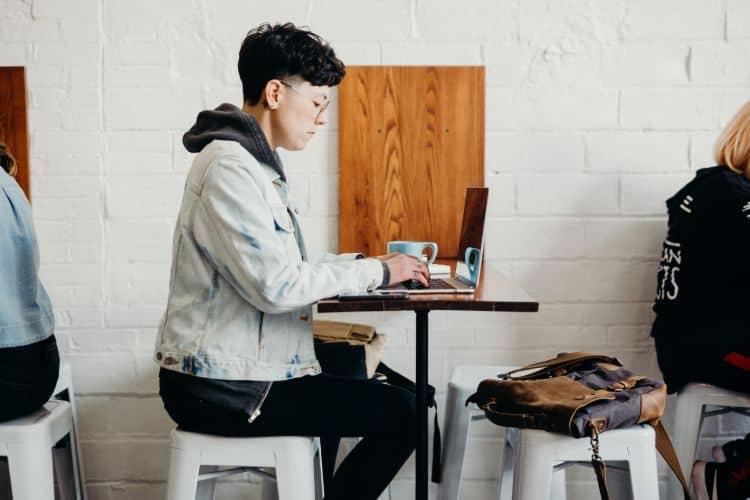 how to make 1000 a week - Work as a tutor
