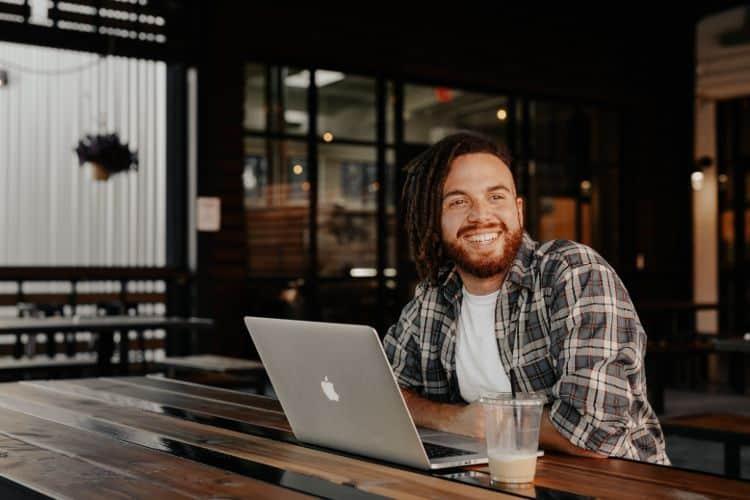 Start a blog side hustles for men