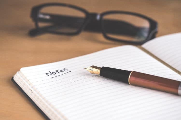 Be a freelance writer.side hustles for college students