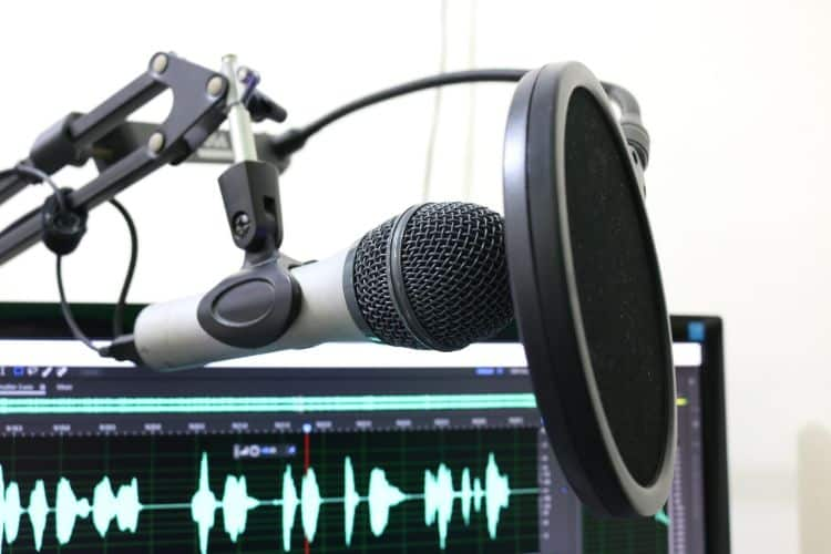 best podcast host for beginners